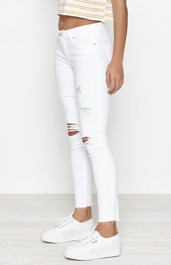 italic white perfect fit jeggings. pacsun. white.