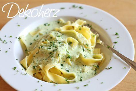 Zucchinisoße - lecker zu Bandnudeln (Low Carb Pasta)