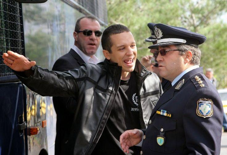 Γη και Ελευθερία.: Άνω του 50% των αστυνομικών ψήφισε Χρυσή Αυγή!