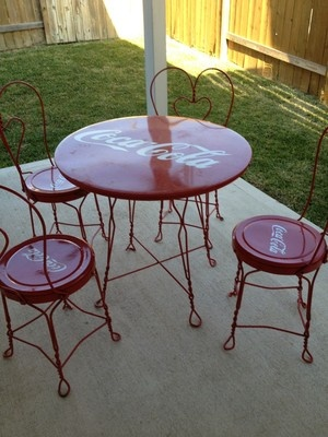 1721 best images about coca cola old stuff on pinterest diet coke bottle and cookie jars - Coca cola table and chairs set ...