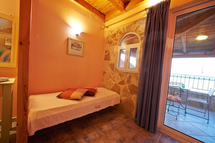Villas Cavo Marathia - Maisonette Suite for two adults and up to two children - kids' bed downstairs