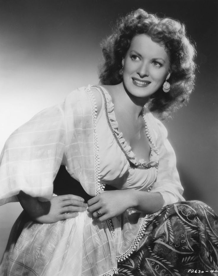 Maureen O'Hara: Female Actresses, Hollywood Jewelry, Hollywood Earrings, Ohara Forever, Hollywood Th Lady, Beautiful People, Vintage Actresses, Age Hollywood Th, Maureen Ohara
