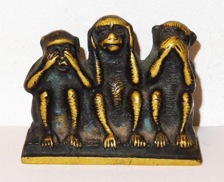 http://www.ebay.de/itm/Die-drei-Affen-Die-Weisheit-nichts-sehen-horen-sagen-Messing-patiniert/221718095364?_trksid=p2047675.c100005.m1851