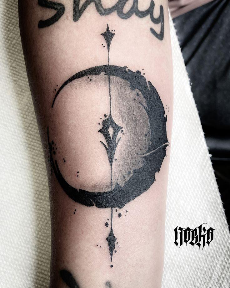 Pin by Serrena Fuentes on {tattoos}   Full moon tattoo