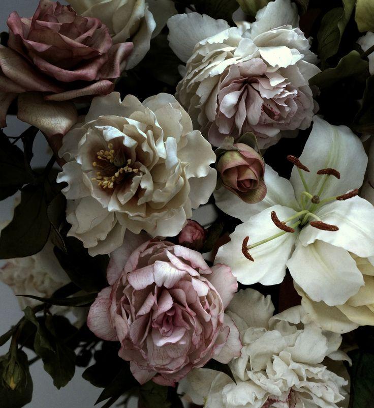 #coldporcelain #sugarflowers #romance