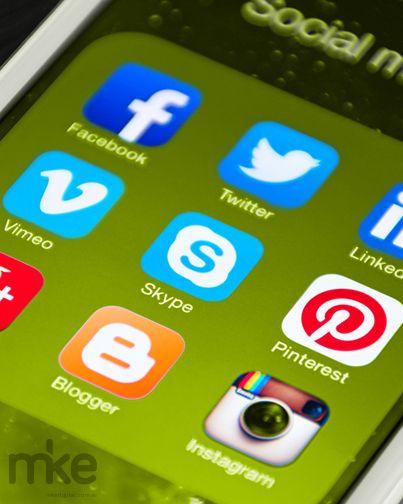 ¿Sos de los que comienzan su dia con un #Tweet? ¿Llegás al trabajo y conectás el chat para estar online? ¿O preferís leer las noticias del día? ¡Es infaltable buscar tu lista de reproducción en #YouTube! Y ¿cómo sigue esto? Se puede subir la foto de eso que te llamó la atención, seguro que tus amigos de Facebook la compartirán, o resumir tu día en una imagen para #Instagram. Eso sí, siempre viene bien un buen juego para terminar el día distraído, el dilema es: #Preguntados o #CandyCrush.