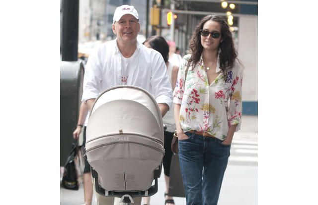 27 Celebrities Who Have a LOT of Kids (Slide #4) - Stars