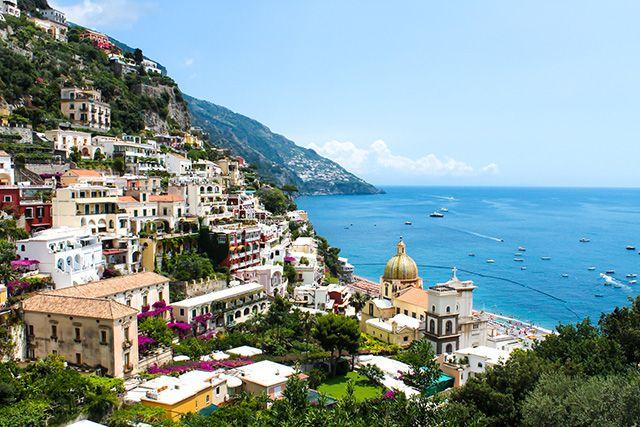 La Côte Amalfitaine est dans nos 10 idées de voyage romantique. Photo : Marcociannare #voyage #italie