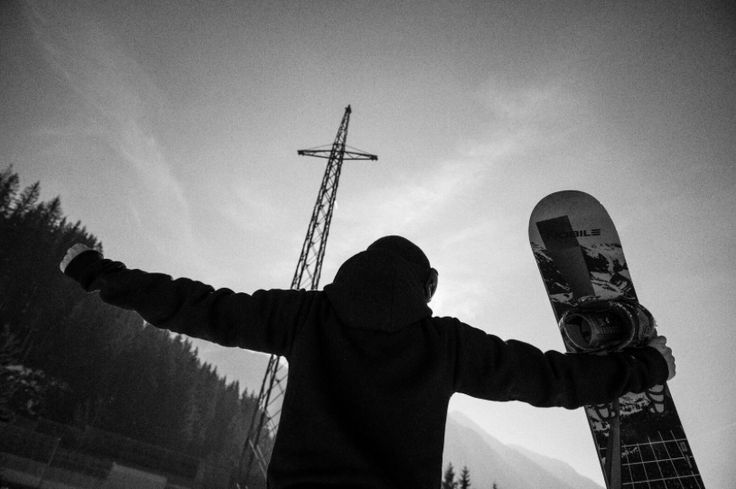 Pray for snow ! #snow #nobilecollection #nobilesnowboards #snowboards #cross #nobile #iridenobile #thecross #gateway #broadbandcollection