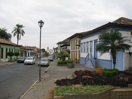 Santa Luzia, MG - Brasil Rua Direita