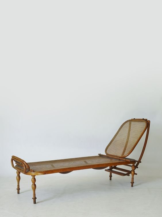 // Rare Thonet 1880s adjustable daybed