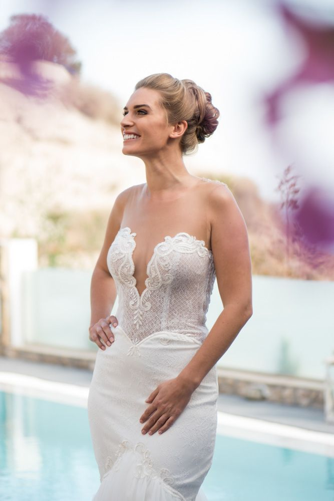 Meet the most beautiful bride! See more at: https://goo.gl/z6Ugxq #phosart #photography #weddingday #bridal
