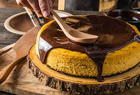 Baked Pumpkin Cheesecake with Chocolate Cookie Crust