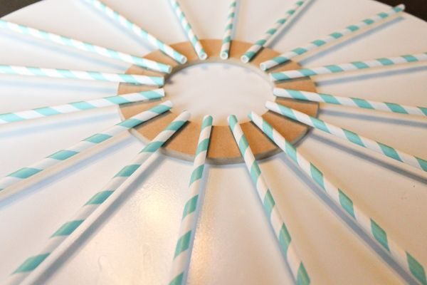DIY Carolina Blue straw wreath tutorial