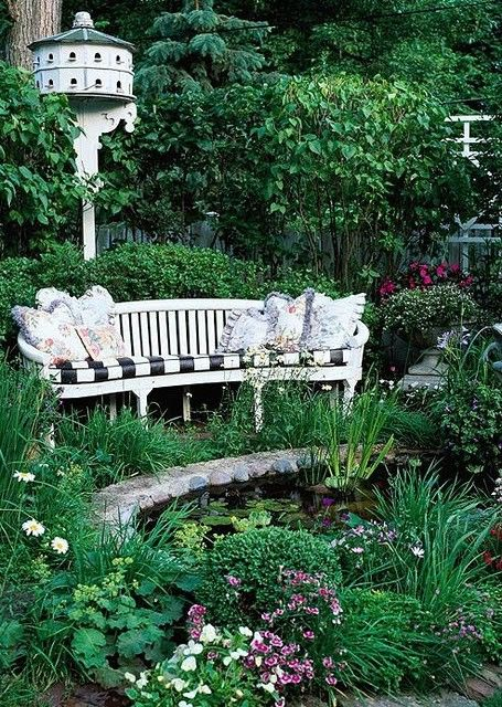 ♥: Birdhouses, Wooden Benches, Gardens Seats, Secret Gardens, Water Gardens, Birds Houses, Gardens Design Ideas, Sit Area, Gardens Benches