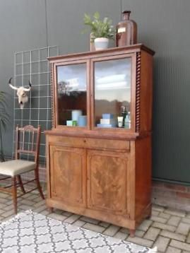 Antieke vitrinekast oude buffetkast kast notenhout art deco