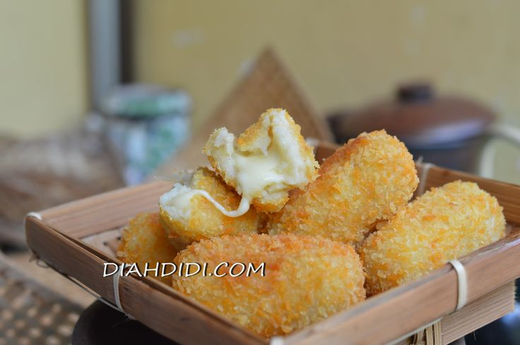 Diah Didi's Kitchen: Kroket Kentang Isi Keju Mozarella