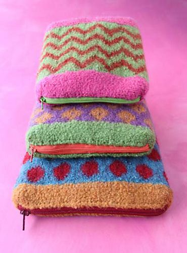 Felted zippered bags. Perfect stashbuster. #knitting.: Knits Pin, Felt Zippers, Felt A Rif, Felt Bags, Knits Patterns, Bags Patterns, Crochet Handbags, Knits Knits, It Bags