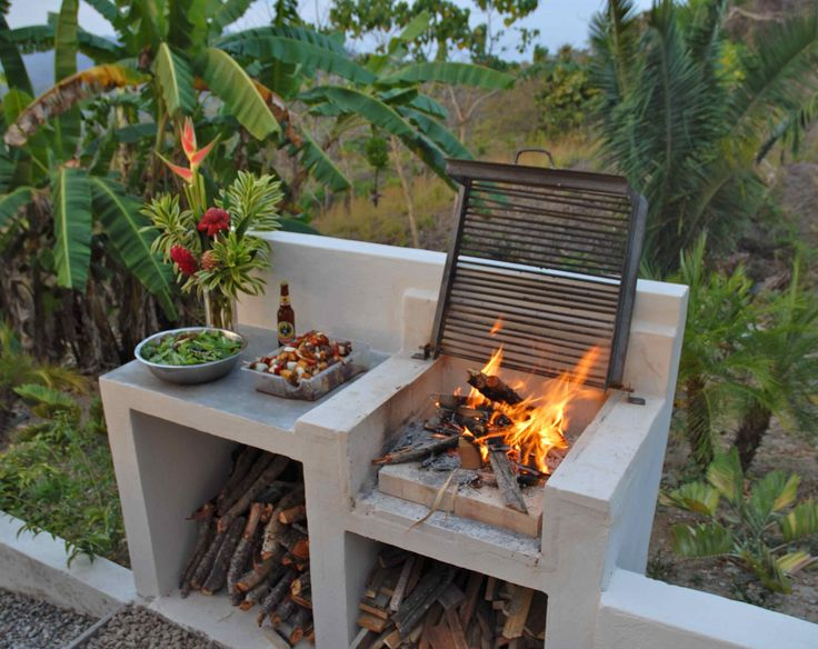 Miraculous Backyard Bbq Area Design Ideas, The kettle grill is regarded as the traditional American grill design. Another kind of gas grill gaining popularity is referred to as a flattop grill...., #area #backyard #bbq #design #ideas