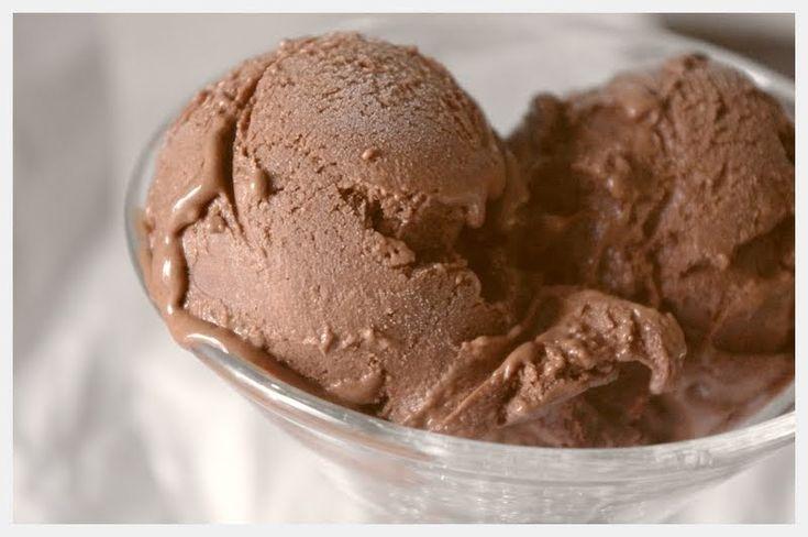 Spiseskje: Hjemmelaget sjokoladeis