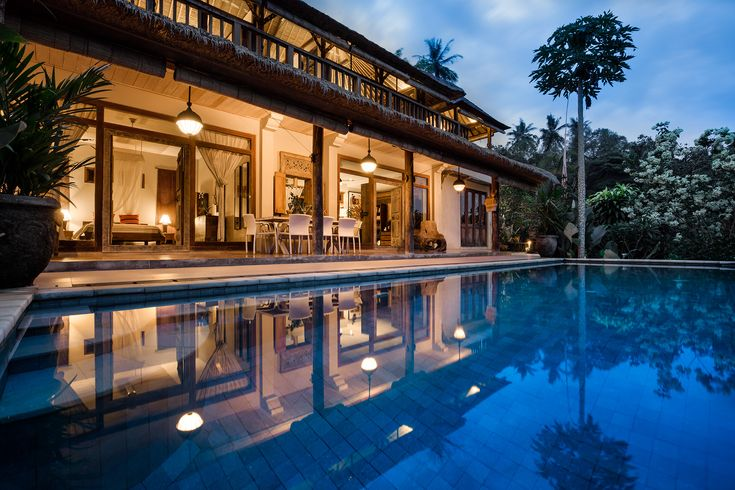 Villa Sagitta at night – a perfect place to relax after a busy day's sightseeing.