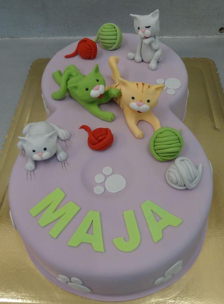 Tort 3D z kotkami