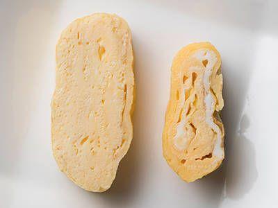 ① 卵はよく溶きほぐし、3回こしてキメ細かくする ② 予熱が肝心! ふわふわに焼く決め手に ③ 卵液は3回に分けて流し入れる ④ 卵焼きの側面もしっかり焼くと、よりきれいに仕上がる