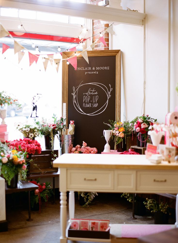 Flower Arranging Tips + Floral Pop Up Shop  Read more - http://www.stylemepretty.com/living/2014/02/26/floral-pop-up-shop-tips-on-floral-arranging/