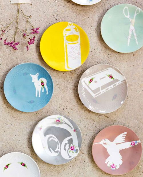 How-To: Stencil Plates: Vintage Plates, Stencil Plates, Diy Art, Crafts Tutorials, Plates Wall, Wall Plates, Old Plates, Paintings Plates, Decor Plates