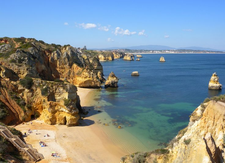 Sometimes you just want to have a relaxing holiday but it's good to spend at least one day exploring other parts of the area. One thing that many tourists in the Algarve have in common is the fact that they think that the Algarve is a small area, but this is not the case. The Algarve consists of 5,412 km2 and covers the entire southern edge of Portugal meaning that although the area that you are staying in may be superb, there are plenty of other places that you should see during your stay.