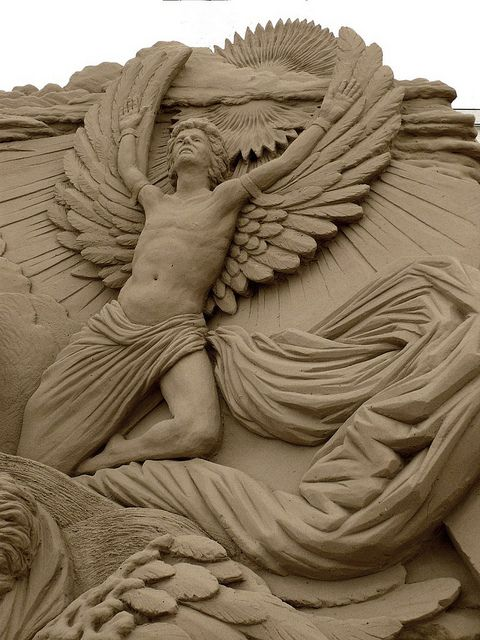 Angel Sand sculpture, don't normally pin sand sculpture but this was beautiful.