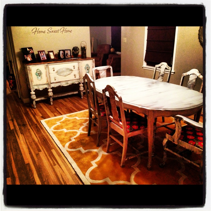 Vintage dining room For the Home Pinterest Oval  : d38494d999da63dd9a50a8f63074d8d0 table vintage distressed furniture from www.pinterest.com size 736 x 736 jpeg 215kB