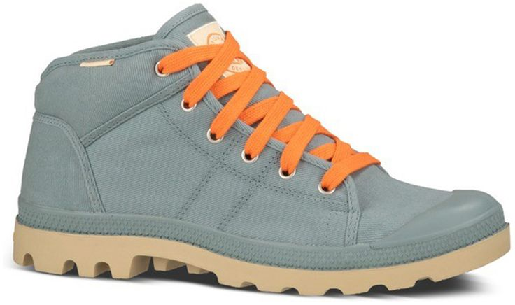 Členkové plátené topánky Palladium Pampa. Topánky sú priedušné s výbornou gumenou podrážkou, ktorá chráni vpredu prsty na nohách. Pôvodne military obuv si dnes dodnes uchovala svoj štýl, i keď  sa nosí v mestskom prostredí. Francúzska značka, ktorá obúvala cudzineckú légiu.