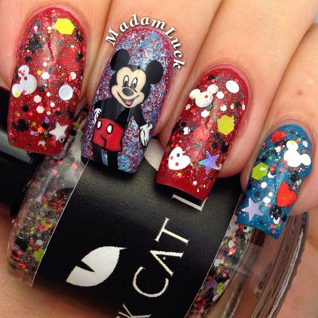 Mickey Mouse Nails: 1000+ Ideas About Mickey Mouse Nails On Pinterest