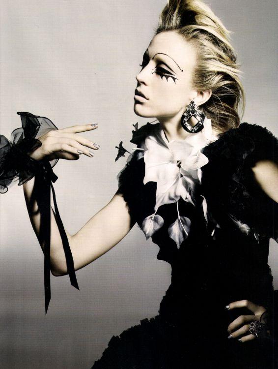 Fotograaf: Nick Knight / Vogue UK November 2010 Refined Rebel