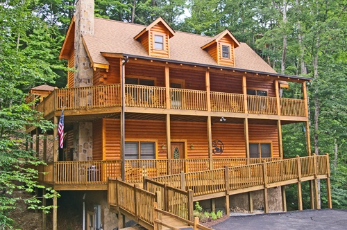 19 best images about pigeon forge cabins chalets on for Eagles ridge log cabin