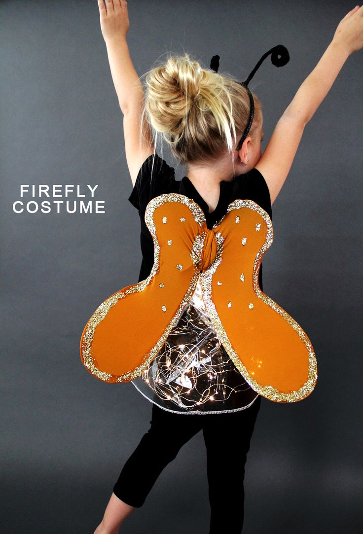 Add a new costume to your kids' dress-up bin with a DIY light-up firefly costume from Sewing Rabbit. Click in for an easy-to-follow video tutorial to make the wings and headpiece. Great for future halloween costumes too!