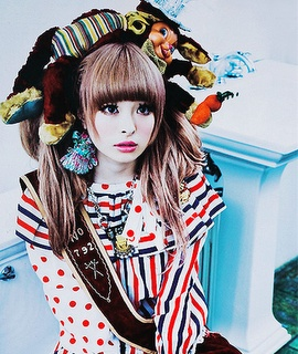 Kyary Pamyu Pamyu jeez! she just has all the coolest shit. so jeal.