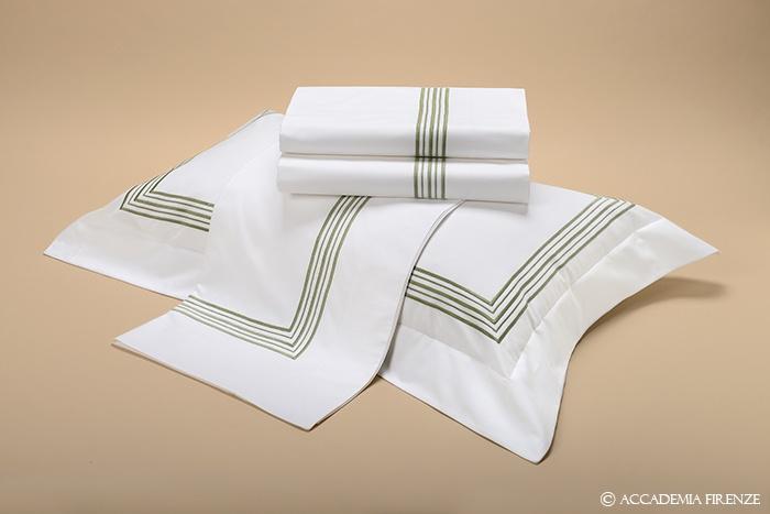 Buy RAFFAELLO BED SET online. Pure #Egyptiancotton percale. Amancara, luxury linens since 1952.