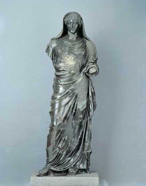 Agrippina the Younger as priestess, Roman statue (basanite), 1st century AD, (Centrale Montemartini, Rome).