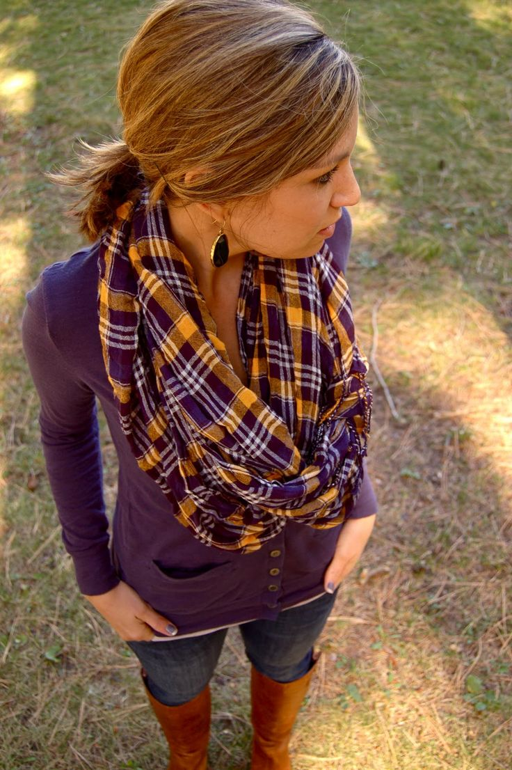 Perfect fall outfit!!! LOVE... great scarf.. cardigan.. boots.. & earrings