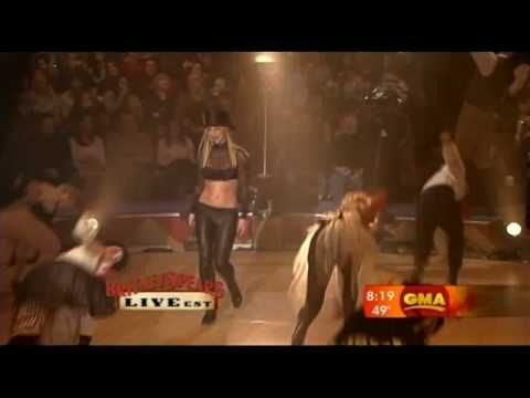 Britney Spears performs Circus at Good Morning America.