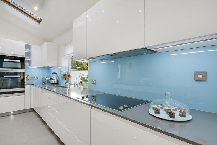 Glass Splashbacks from Ebstone kitchnes give any room a modern designing splashbacks, stylish feel. Glass splashbacks worktops can really produce a 'wow' factor for your kitchen.