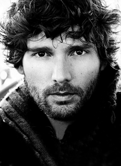 Eric Bana - look at his range - then look at his face - how is this possible?  I believe Australia has a lab for making beautiful AND uber-talented actors...that's the only answer.  Both men and women.