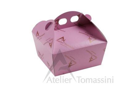 Scatola Impilata Colore: Zucchero Filato Stampa: Flexo Continua Bronzo #packaging #ateliertomassini #portatorte #pasticceria #scatola #pastry #bakery #design #politenata #politenate #imballaggio #bakery #PE-protect