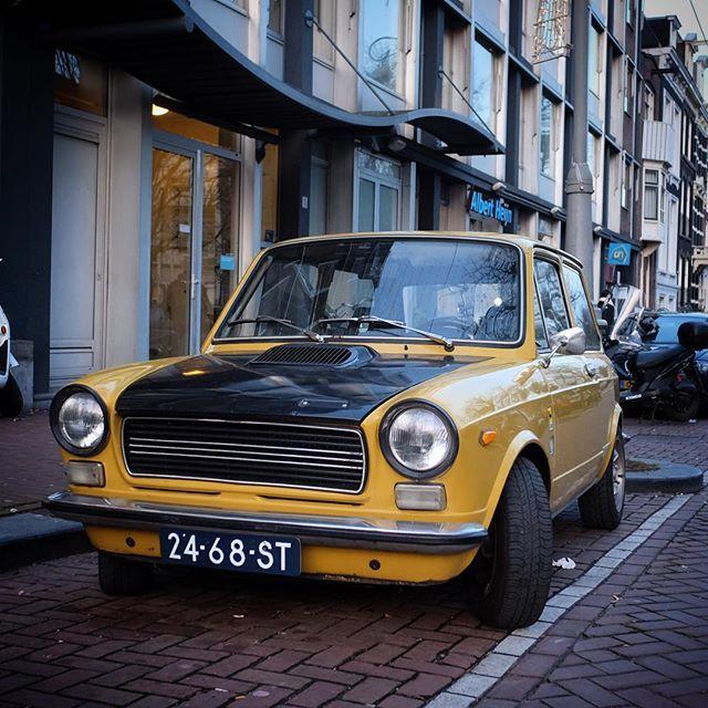 Autobianchi #autobianchi #autobianchia112 #frederiksplein #carsofinstagram #classiccar #l4l #ff #mosterdgeel #geel #moutarde #italia #machinaditalia
