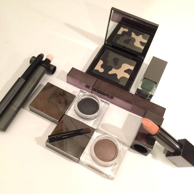 The Beauty Cove: AUTUNNO INVERNO 2015/16 • BURBERRY MAKEUP