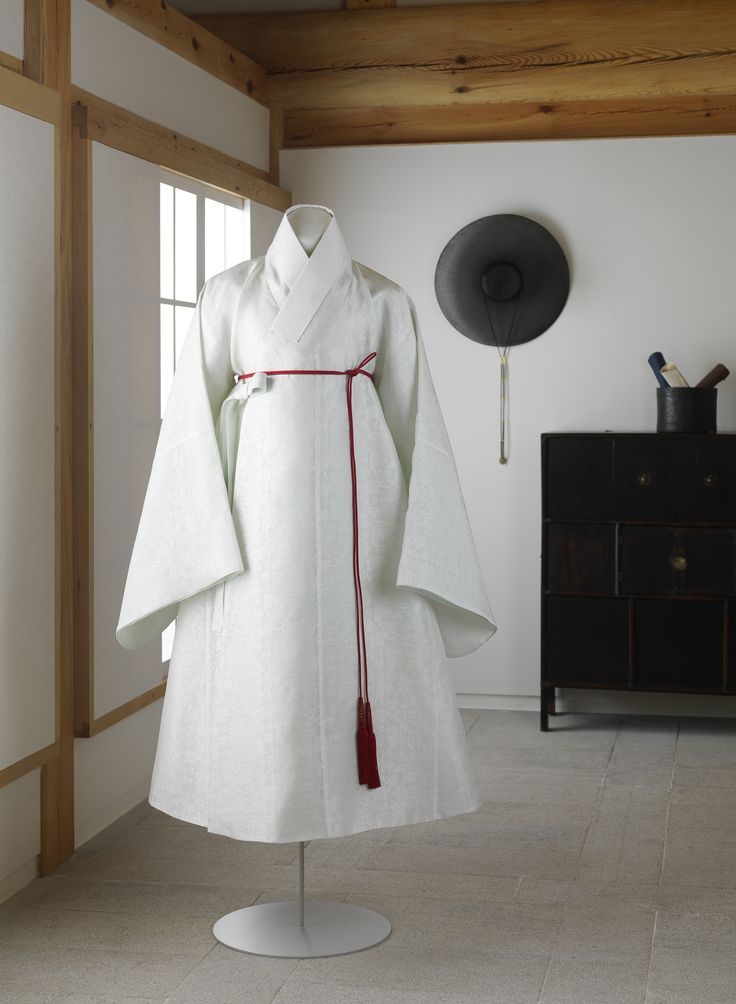 J Kim (My work i) Hanbok, Korean clothes  Robe for mens with a woven braided belt   (Changeui in Korean)...  Materials: Silk (gauze weave), Ramie (lining)  Style: Korean Traditional Style