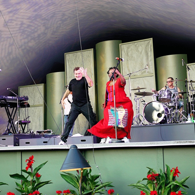 Johnny Clegg in concert in Victoria BC.  http://www.angelahemming.com/2012/07/close-your-eyes-and-think-of-africa.html
