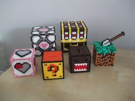 3D Hama beads cubes by capricornc5